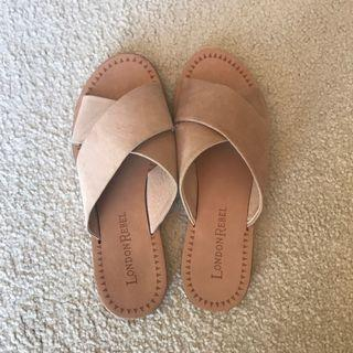 Nude sandals size 5