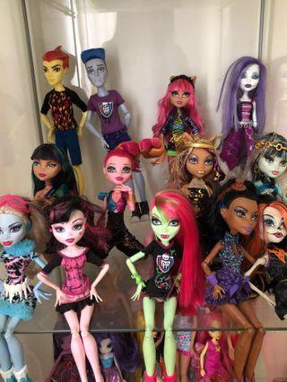 Monster High Dolls / Barbie Dolls / Frozen Dolls