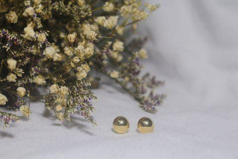 🚚 SMALL GOLD PEARL EARRINGS