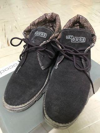 🚚 Hey dude 皮革中筒靴