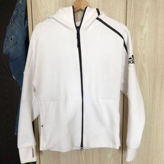 🚚 Adidas ZNE 外套
