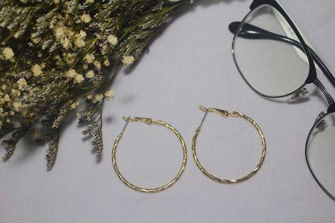 DETAILED LOOP EARRINGS