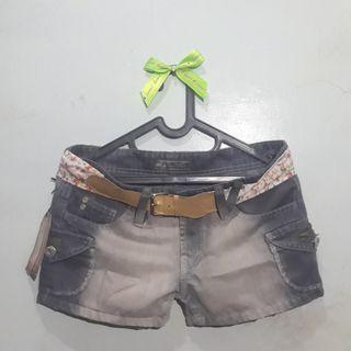 Jeans Pendek Wanita