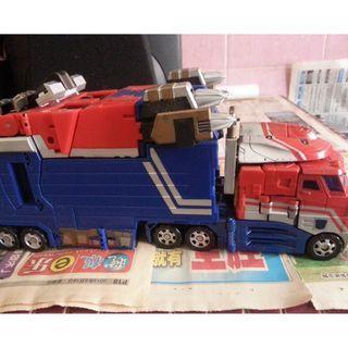 transformers optimus + trailer ko