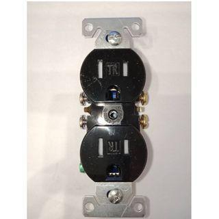 美國COOPER TR270BK 黑色 15A 125V 防誤觸電源插座 DUPLEX 兒童房可用 工業開關 工業插座