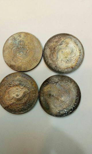 老銀幣4個