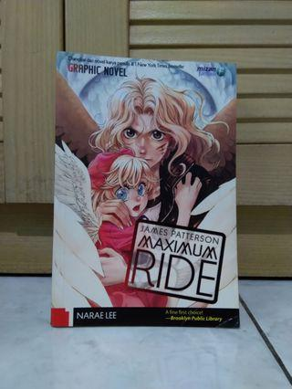 Graphic Novel Maximum Ride 1 by James Patterson & Narae Lee #maujam