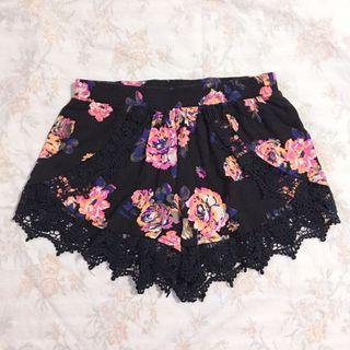 Kendall & Kylie INSPIRED black floral laced high waist shorts