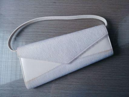 Asimetris white clutch