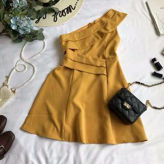 BRANDNEW Off Shoulder Dress