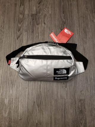 WAISTBAG SUPREME X THE NORTH FACE NEW