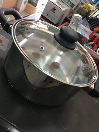Sauce pot