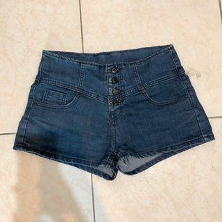 轉賣 深藍四排扣高腰牛仔短褲熱褲 M號