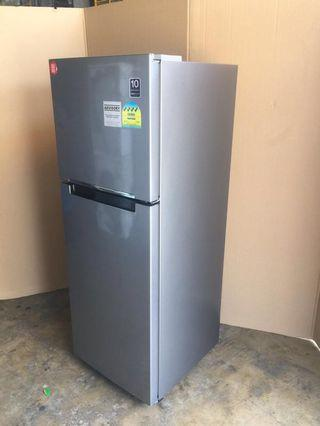 Samsung fridge 2 dr 234L $200