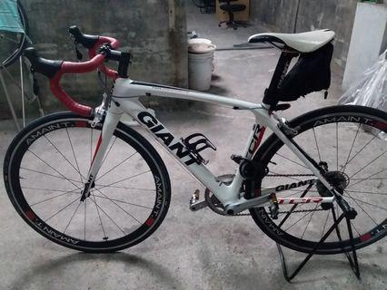 🚚 Giant tcr carbon roadbike