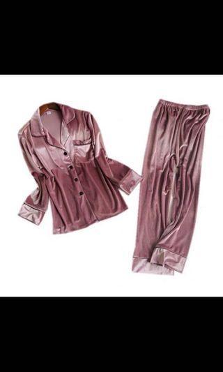 🚚 珊瑚粉絲絨睡衣
