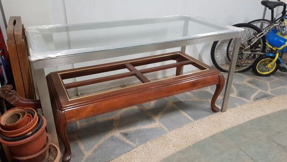 🚚 Glass top dining table