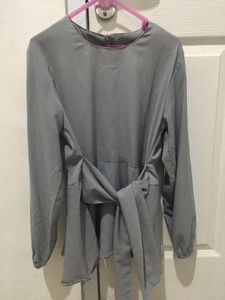 Blouse grey wanita