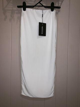 Pretty little thing white body con skirt size 6
