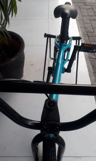 BMX REV PARK 02