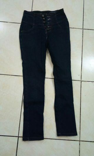 Celana Jeans pinggang
