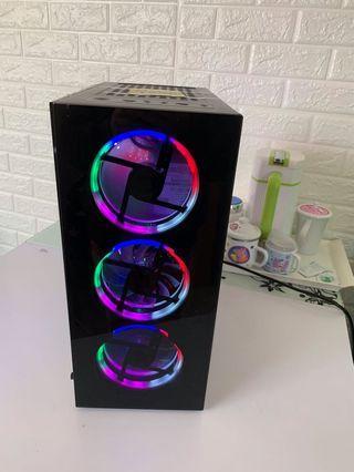 Intel® Core™ i7 吃雞台式兢電主機,透側七彩繽紛幻燈發光冰冷遊戲機廂,16 記憶體,240G 固態硬盤 ,運行𣈱快 妙速開機!