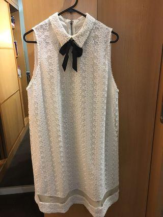 Alice+Olivia peter pan collared white lace sleeveless dress with black ribbon