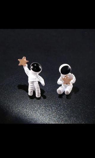 Cute Cartoon Star Astronaut Planet Stud Earring