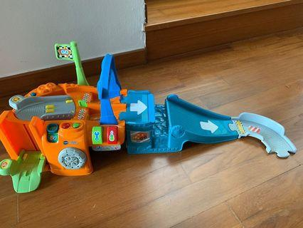 Vtech Racer track with ramp and 6 cars