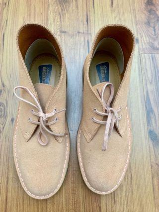 Clarks Originals Women's Desert Boots (Brown Suede)