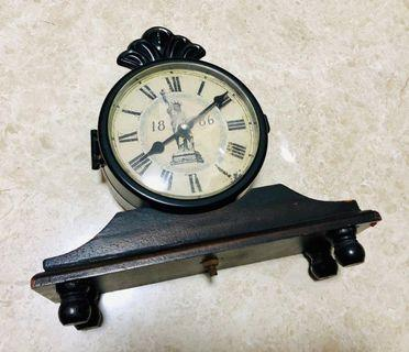 Solid wood base Vintage Style Table Clock