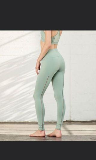 🚚 Alo Brand New Yoga Dash Leggings/Pants XS
