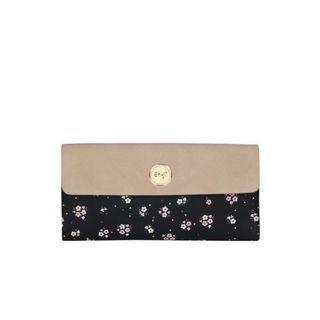 Dompet hitam motif En-ji by Palomino