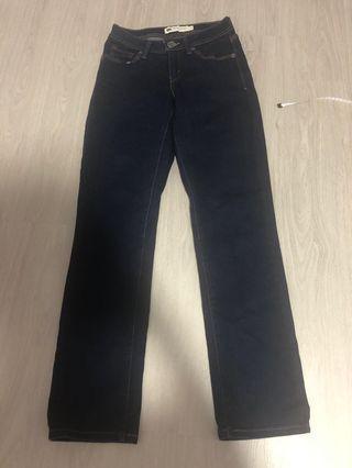 🚚 Levi's Dark Blue Curvy Straight Jeans