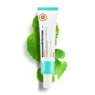 🚚 Apieu Madecassoside Sun Cream, SPF 39, PA++, 40g // Expiry date: 20210816 // Contains Madecassoside & Centella Asiatica Leaf Water // Acne Prone Skin // Korean Skincare A'pieu