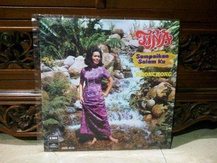 Lp...Vinyl...TINA - Sampaikan Salam Ku Keroncong