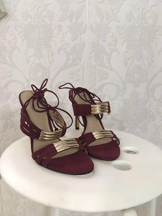 CK60030061 - Charles & Keith High Heels Size 36 Burgundy (New. Never been used)
