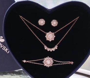Swarovski Necklace earring bracelet full set Mother's Day