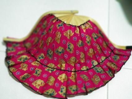 Cloth bamboo fan that can turned into Hat