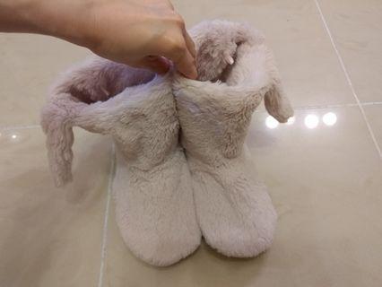 可愛家居毛毛保暖鞋,購自英國