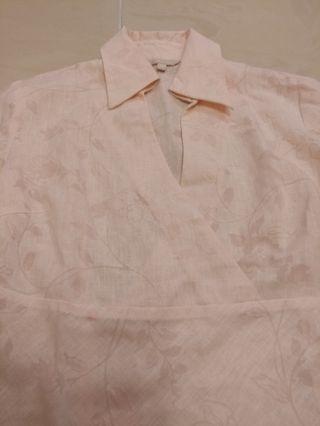 女装淡粉紅色恤衫