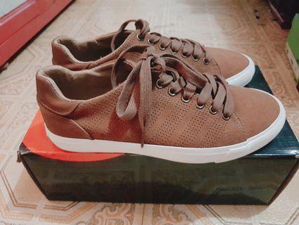 Jual Sepatu type AIRWALK size 41 warna DK CAMEL (Brown)