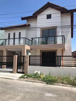 FOR SALE: Citta Italia Molino Bacoor Cavite Brand New 3 Storey House & Lot 5BR w/ Maids Quarters Lanai 3CR 3 Car Garage