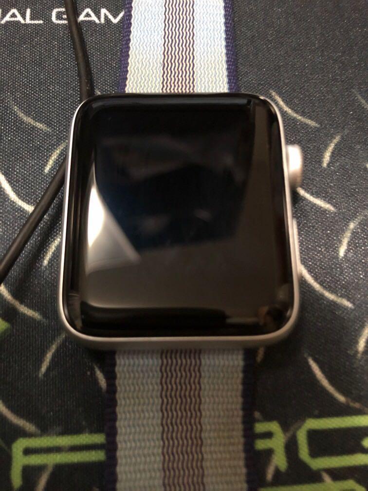 90%新applewatch 42mm series 3 nike
