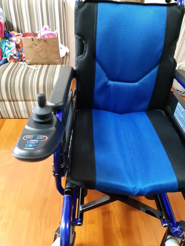 全新輕便電動輪椅