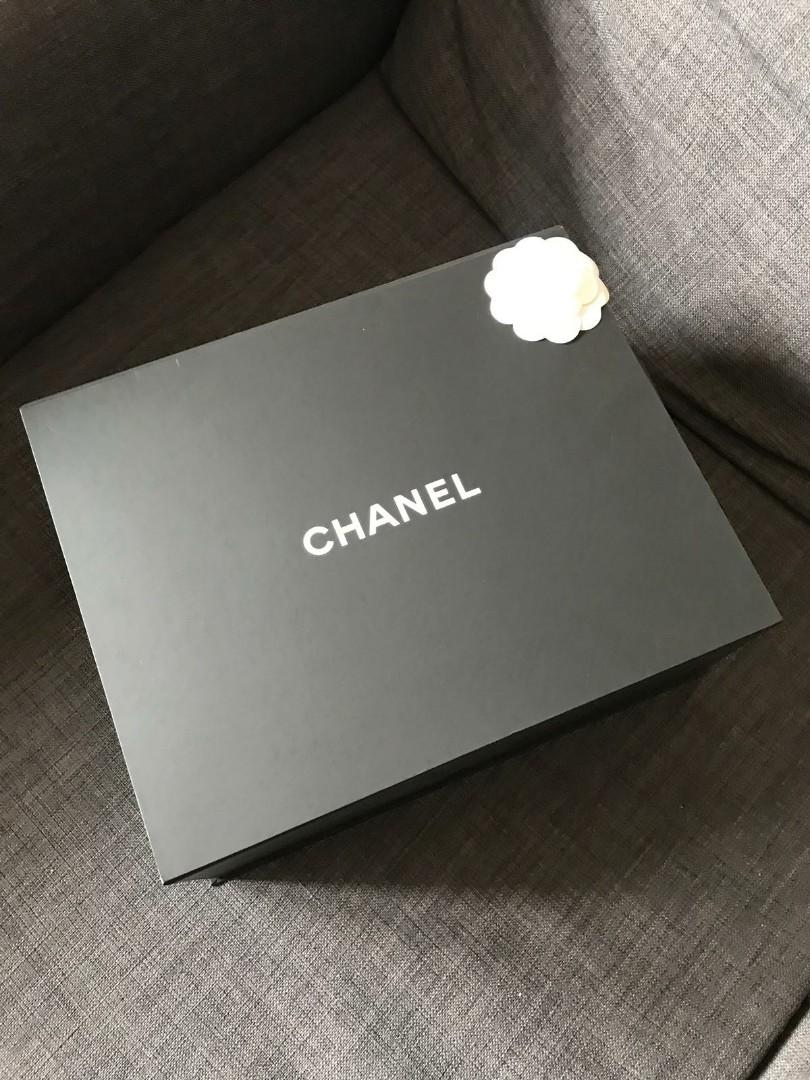 Chanel Boy bag black colour with full packaging