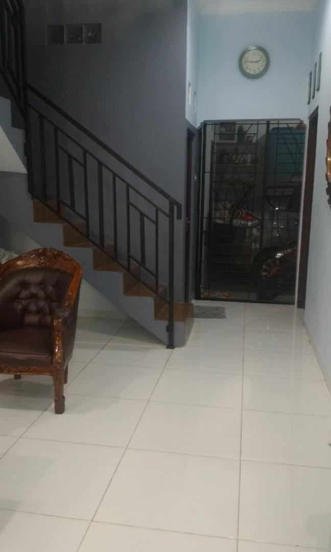 Di jual rumah full renovasi siap huni type 165/84