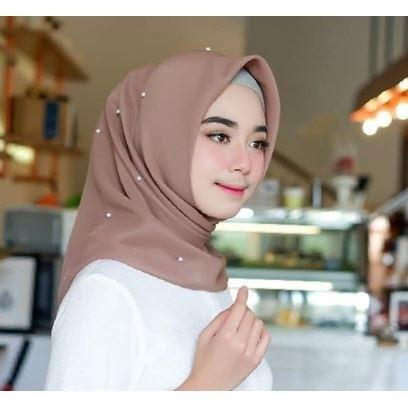 Hijab segitiga mutiara
