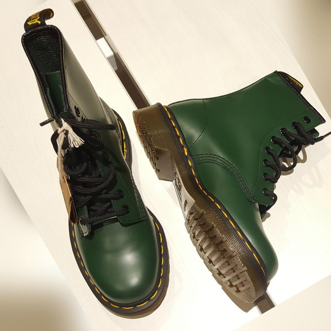 New - Dr. Martens green smooth