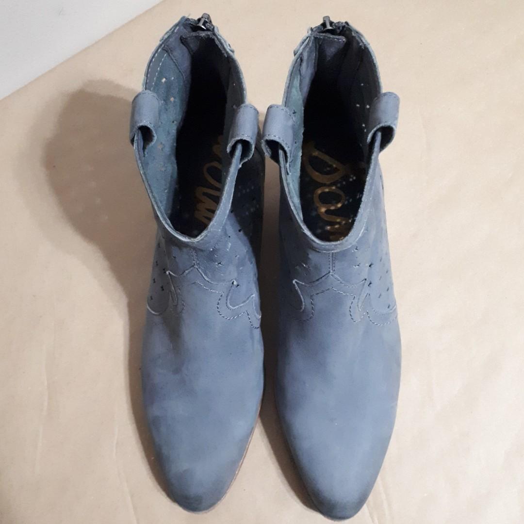 Sam Edelman Reynolds Punch Out Western Block Heels Size 9